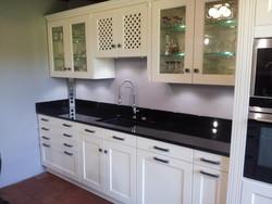 meubles cuisine d 39 exposition chelsea ch ne laqu cuisines laurent. Black Bedroom Furniture Sets. Home Design Ideas